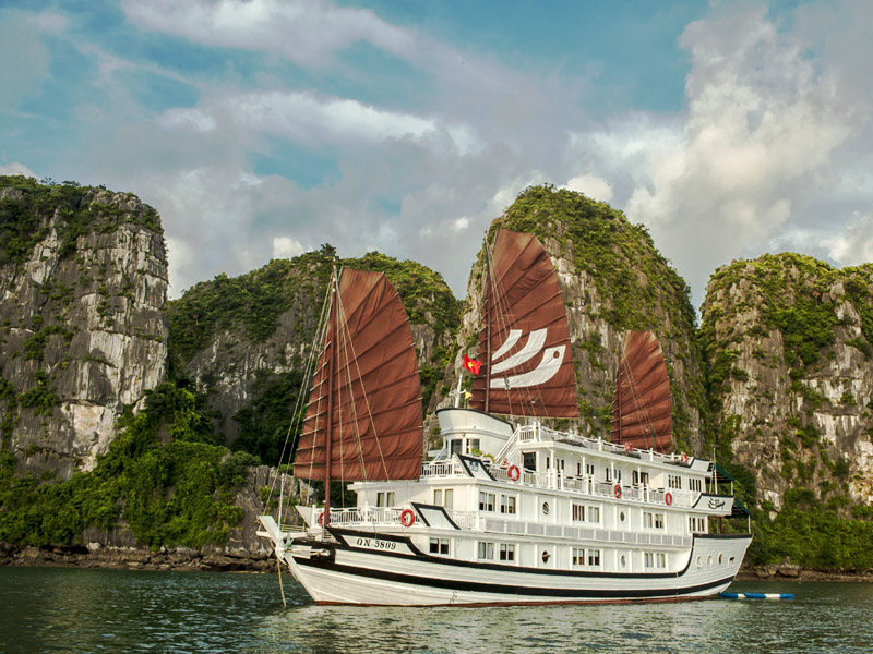 BHAYA CLASSIC CRUISE 2 DAYS 1 NIGHT AND 3 DAYS 2 NIGHTS from 140 USD/person only