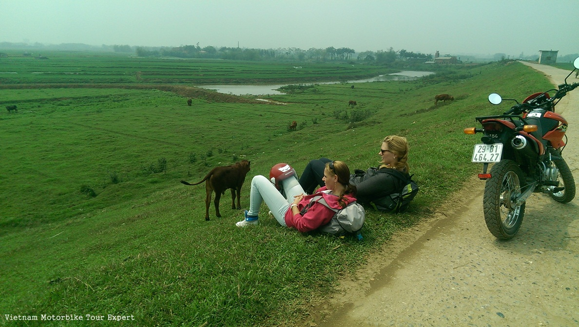 1 DAY RIDING TO OUTSKIRT OF HANOI TOUR